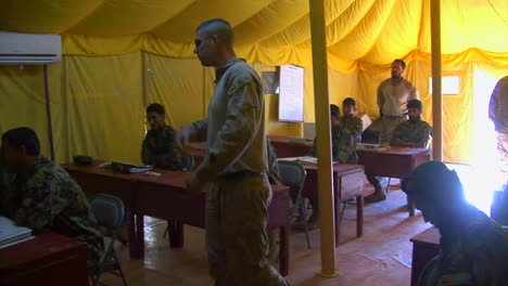Us-Marine-Corp-Soldiers-Teach-Afghani-Soldiers-How-To-Fight-The-Taliban