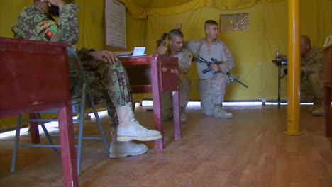 Us-Marine-Corp-Soldiers-Teach-Afghani-Soldiers-How-To-Fight-The-Taliban-1