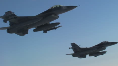 Two-F16-Fighter-Jets-Fly-In-Formation-1