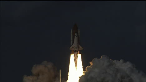 The-Space-Shuttle-Lifts-Off-From-Its-Launchpad