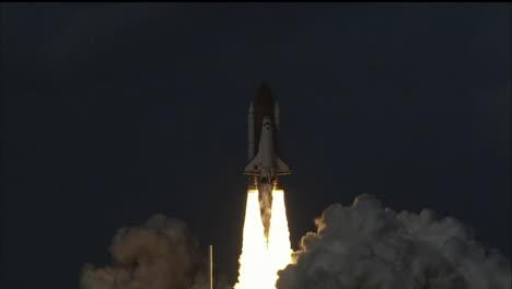 El-Transbordador-Espacial-Despega-De-Su-Plataforma-De-Lanzamiento