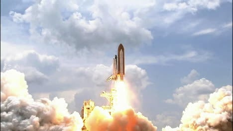 The-Space-Shuttle-Lifts-Off-From-Its-Launchpad-3