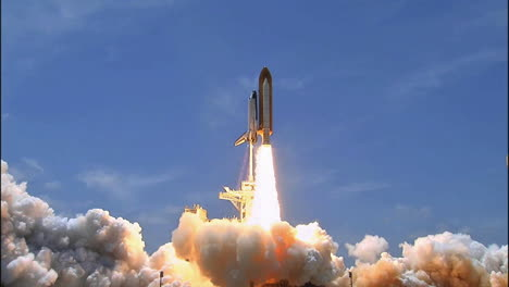 The-Space-Shuttle-Lifts-Off-From-Its-Launchpad-4