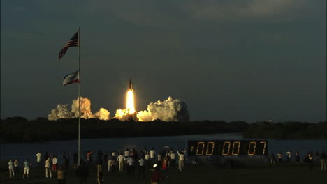 The-Space-Shuttle-Lifts-Off-From-Its-Launchpad-5