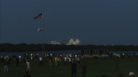 El-Transbordador-Espacial-Despega-De-Su-Plataforma-De-Lanzamiento-7