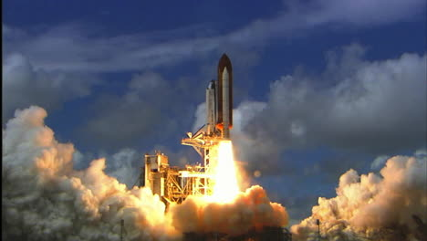 The-Space-Shuttle-Lifts-Off-From-Its-Launchpad-8