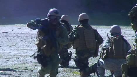 Los-Comandos-De-élite-Del-Ejército-Estadounidense-Están-Entrenados-Para-Interceptar-Terroristas-2