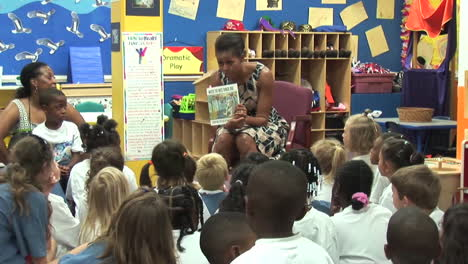 Michelle-Obama-Visits-And-Reads-To-Children-In-A-School-In-Virginia-Beach-Va-1