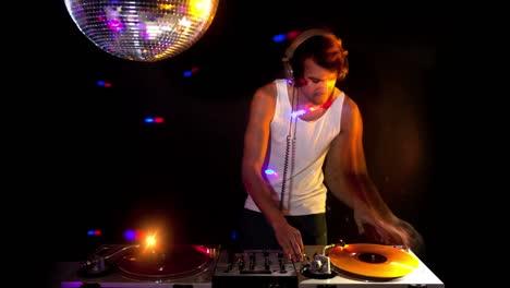 Blurry-DJ-Timelapse-01