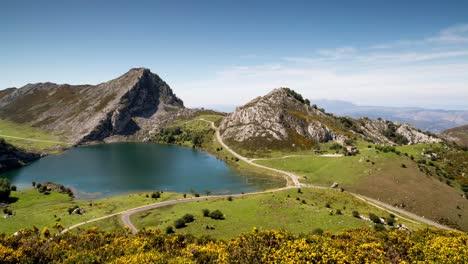 Covadonga-Lake-00