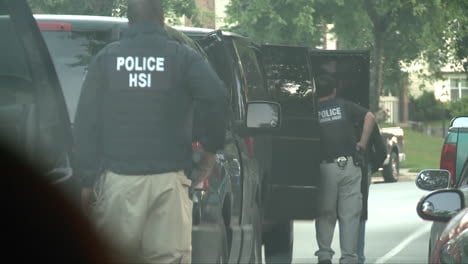 Police-And-Homeland-Security-Agents-Raid-A-House-Of-A-Suspected-Child-Predator-3