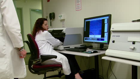 The-Homeland-Security-Forensics-Lab-Solves-Crimes-Using-High-Tech-Methods-4