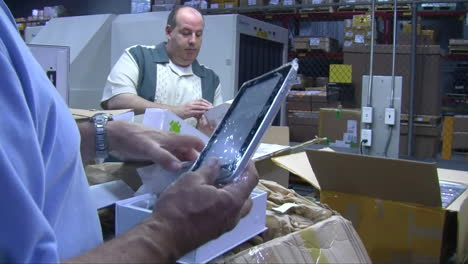 Agents-From-Us-Customs-Seize-Fake-And-Knock-Off-Electronic-Products-At-A-Shipping-Facility-4