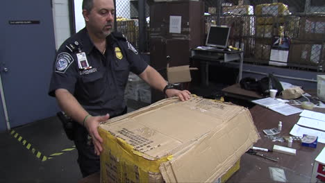 Agents-From-Us-Customs-Seize-Fake-Prescription-Drugs-At-A-Shipping-Facility-2