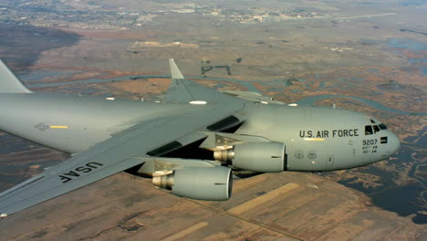 Aerials-Of-The-Us-Air-Force-Air-Mobility-Command-C17-In-Flight-1
