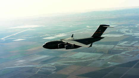 Aerials-Of-The-Us-Air-Force-Air-Mobility-Command-C17-In-Flight-3