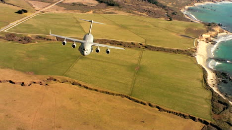 Aerials-Of-The-Us-Air-Force-Air-Mobility-Command-C17-In-Flight-8