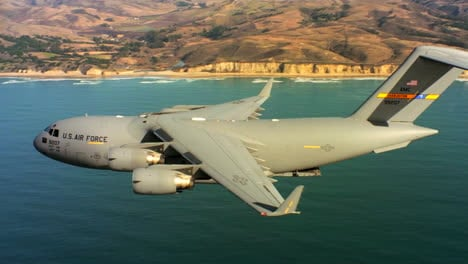 Aerials-Of-The-Us-Air-Force-Air-Mobility-Command-C17-In-Flight-10