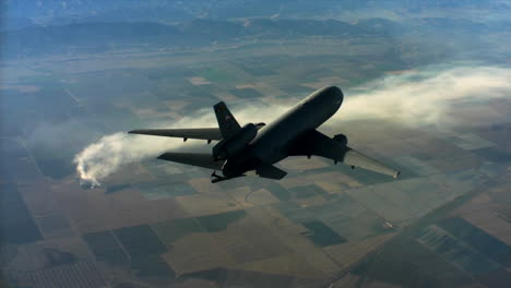 Aerials-Of-The-Us-Air-Force-Air-Mobility-Command-Kc10-In-Flight-3