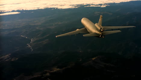 Aerials-Of-The-Us-Air-Force-Air-Mobility-Command-Kc10-In-Flight-6