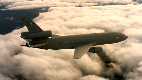 Aerials-Of-The-Us-Air-Force-Air-Mobility-Command-Kc10-In-Flight-8