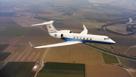 Aerials-Of-The-Us-Air-Force-Air-Mobility-Command-C37-Executive-Us-Government-Jet-In-Flight-8
