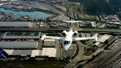 Antenas-Del-Comando-De-Movilidad-Aérea-De-La-Fuerza-Aérea-Estadounidense-C21-Ejecutivo-Jet-Del-Gobierno-Estadounidense-En-Vuelo-4