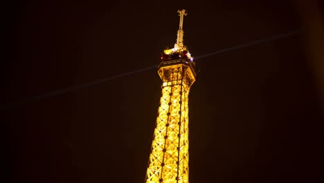 Eiffel-Lit-Up-01