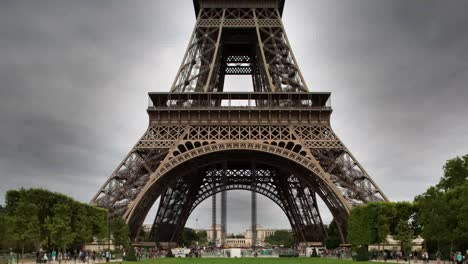 Eiffel-Tower-03