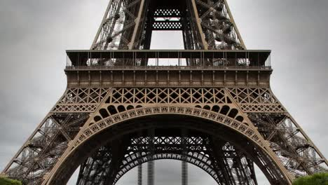 Eiffel-Tower-Version-03