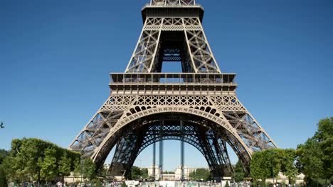 Eiffel-Tower-Video-00