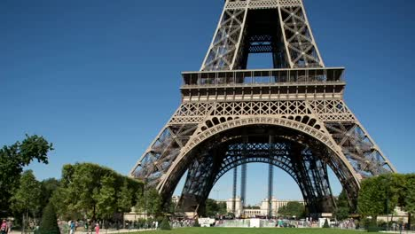 Eiffel-Tower-Video-01