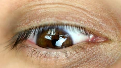 Eye-Closeup-01
