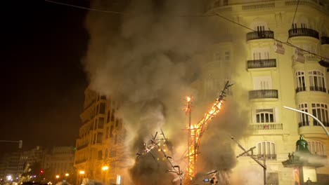 Fallas-Burning-0-05