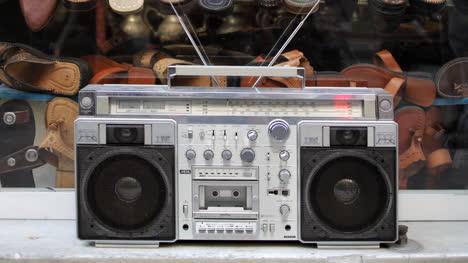 Stereo-Outside-00