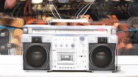 Stereo-Outside-03