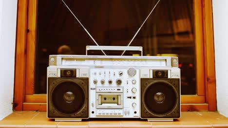 Stereo-Outside-06