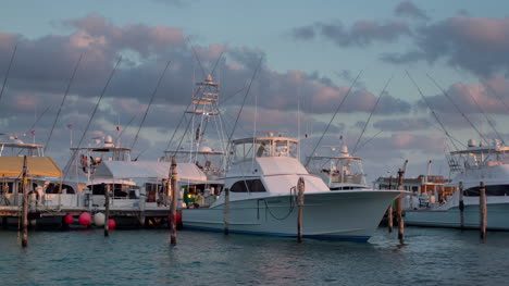 Isla-Mujeres-Boats-03