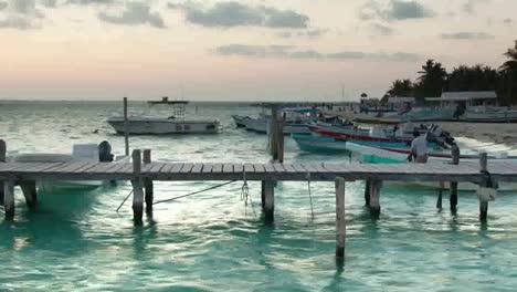 Isla-Mujeres-Boats-06