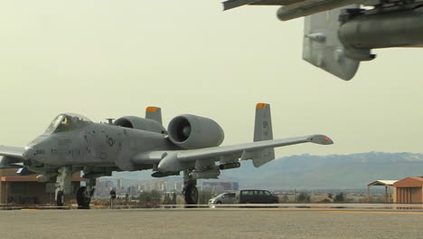 Air-Force-A10-Thunderbolt-In-Taxiing-On-Runway-2