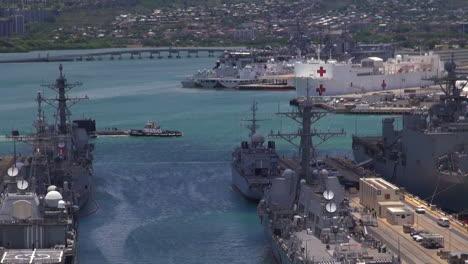 A-Submarine-Moves-Through-Pearl-Harbor-Hawaii-2