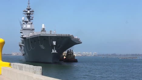Un-Portaaviones-De-La-Marina-Japonesa-Llega-Al-Sur-De-California