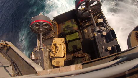 Marine-Forces-Use-Amphibious-Assault-Vehicles-On-The-Ocean-1