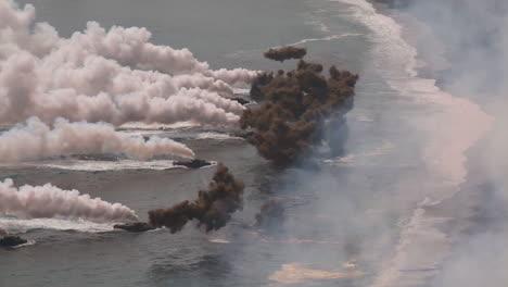 Amerikanische-Und-Koreanische-Marines-Führen-Eine-Massive-Amphibische-Invasionsübung-Mit-Sprengstoff-Und-Strandlandungen-Durch