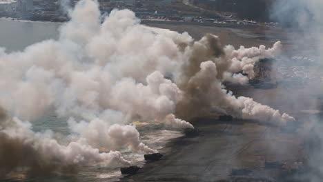 Amerikanische-Und-Koreanische-Marines-Führen-Eine-Massive-Amphibische-Invasionsübung-Mit-Sprengstoff-Und-Strandlandungen-Durch-3
