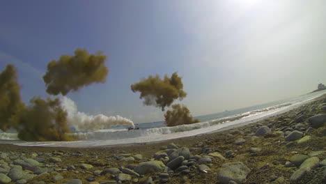 Amerikanische-Und-Koreanische-Marines-Führen-Eine-Massive-Amphibische-Invasionsübung-Mit-Sprengstoff-Und-Strandlandungen-Durch-5