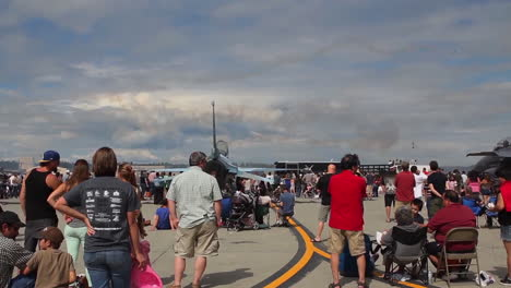 Crowds-Attend-An-Air-Show-With-Flyovers-By-The-Us-Thunderbirds-Team