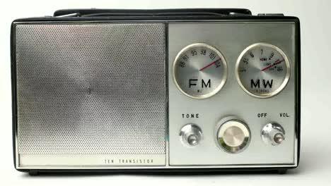 Little-Radio-11