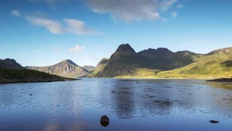 Lofoten-Lake-Reflection-07