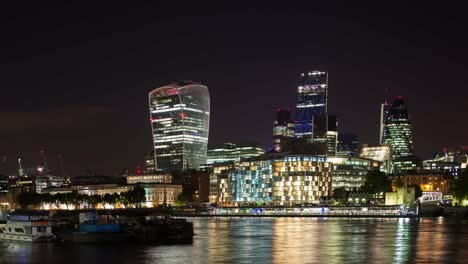London-Skyline-Dark-00